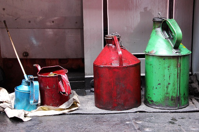 nádoby na olej.jpg
