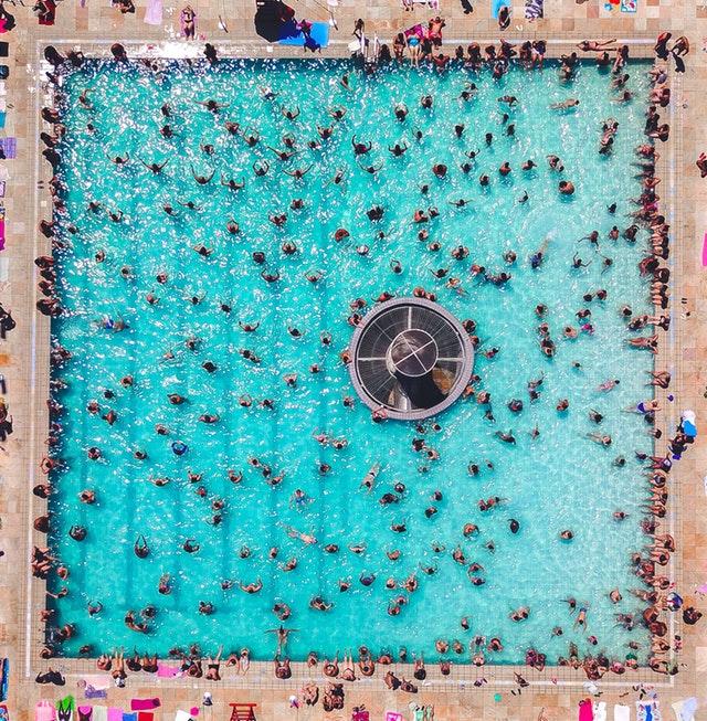 Dilatační plováky váš bazén před ledem spolehlivě ochrání