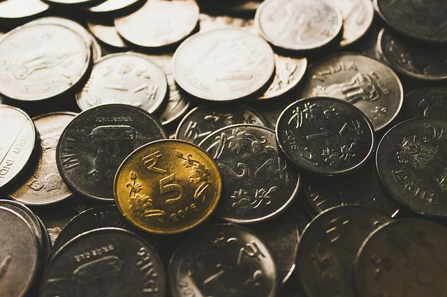 drobné mince, stříbrná, zlatá