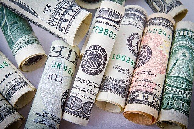 rolované bankovky